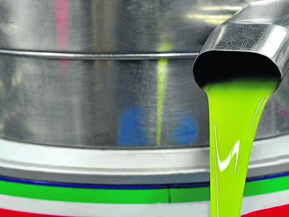Maquinaria para la elaboración de aceite en una almazara.