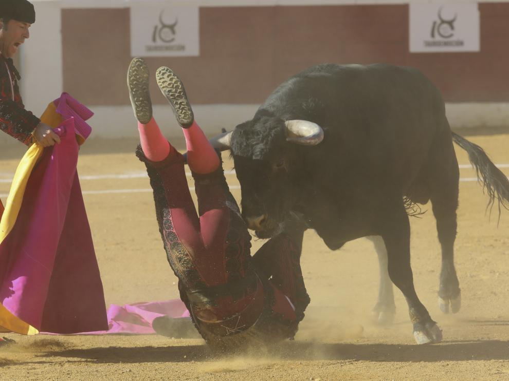 El banderillero Gómez Pascual fue corneado en Huesca.