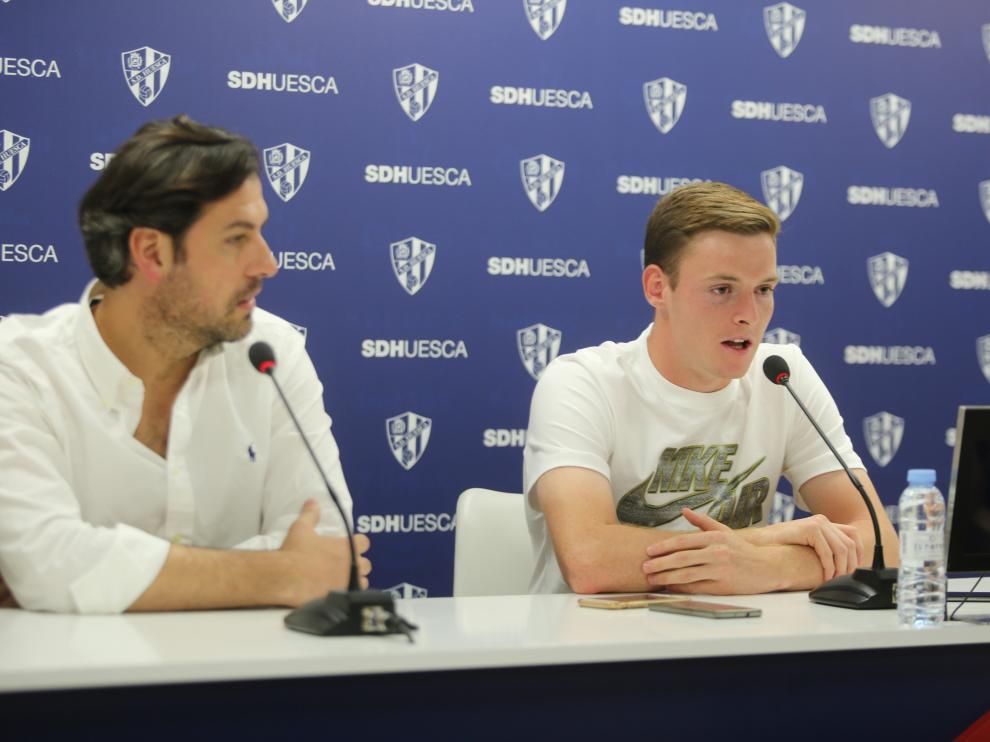 Rubén García y Sergio Gómez, en la presentación del jugador.