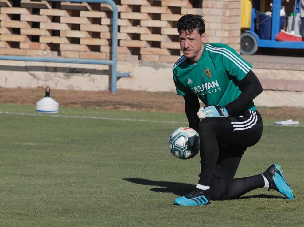 Cristian Álvarez, esta mañana en el entrenamiento en la Ciudad Deportiva.
