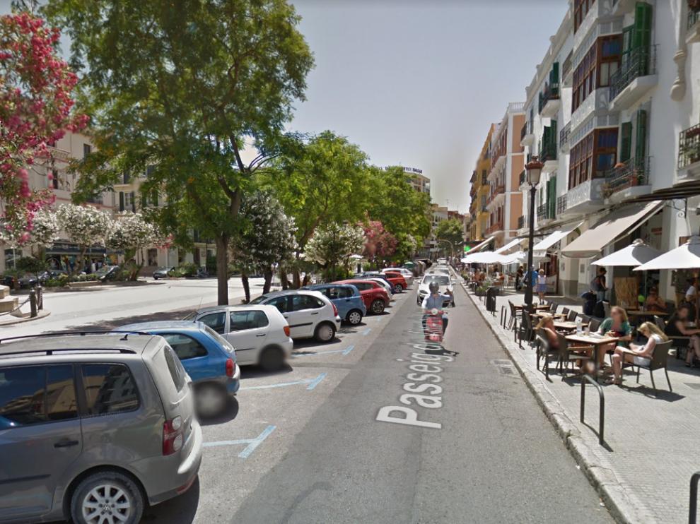 Los hechos han ocurrido a las 2.05 en la calle Vara del Rey.