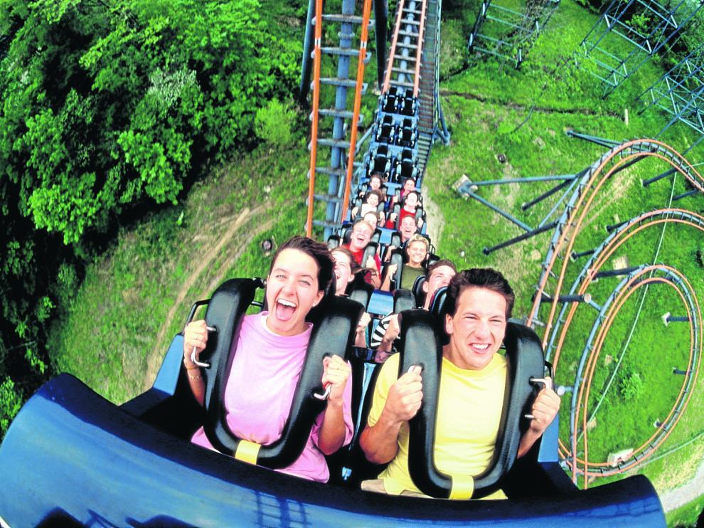 Las caídas a toda velocidad, los giros imposibles y la sensación de ingravidez provocan un chute de adrenalina.