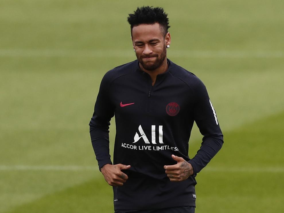 Saint-germain-en-laye (France), 17/08/2019.- Paris Saint Germain player Neymar Jr attends a training session at the Ooredoo training centre in Saint-Germain-en-Laye, outside Paris, France, 17 August 2019. (Francia) EFE/EPA/IAN LANGSDON Paris Saint Germain training