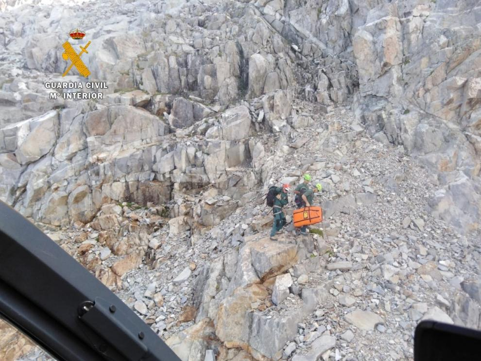 Imagen de los trabajos de rescate en la zona donde ocurrió el accidente.