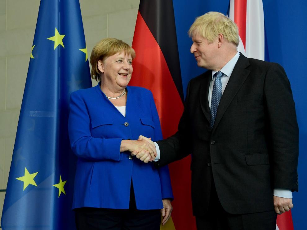 La canciller alemana, Angela Merkel, y el primer ministro británico, Boris Johnson.