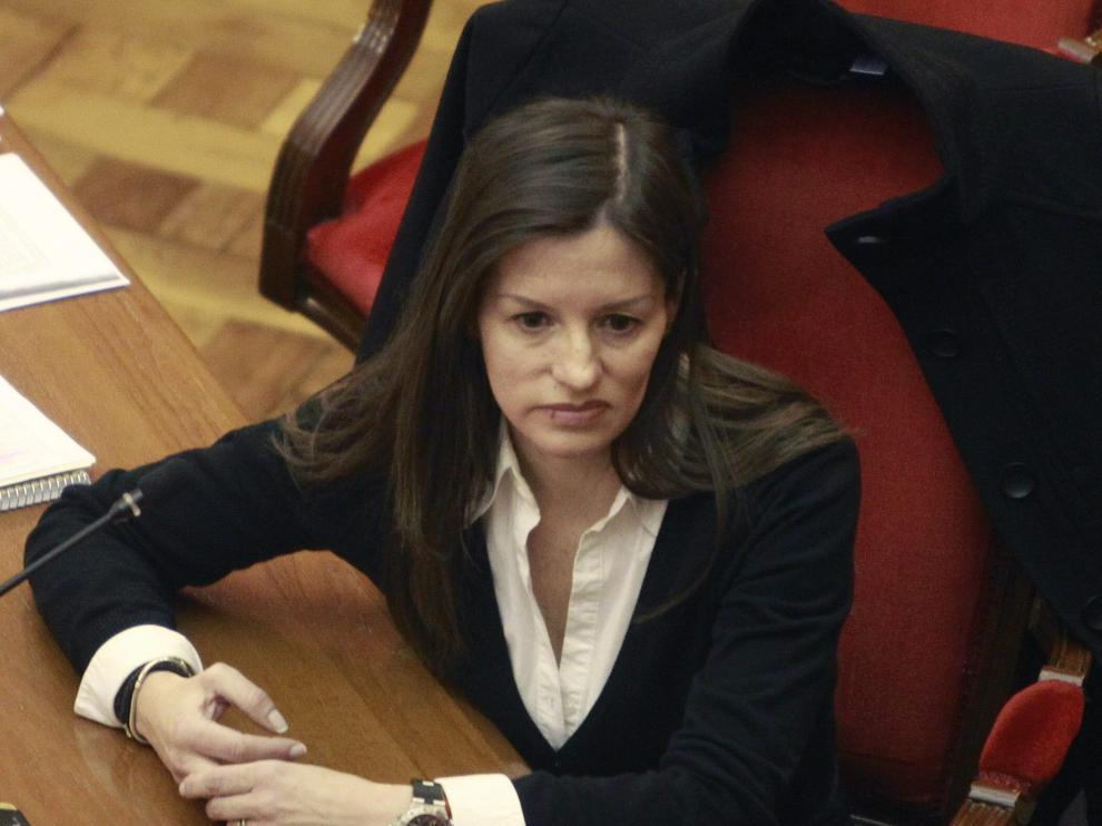 Maria Ángeles Molina, alias Angie, la mujer acusada de matar a una amiga y dejar pistas falsas en Zaragoza durante el juicio el 20 de febrero de 20125.