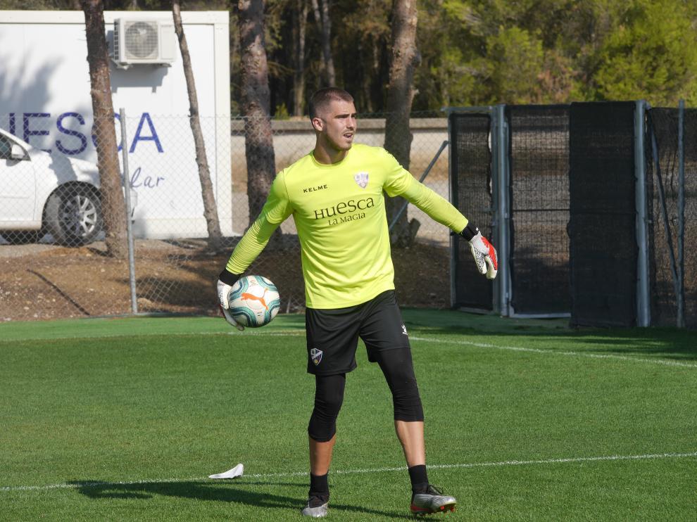 Rubén Yáñez, en su primer entrenamiento con la equipación de la SD Huesca.