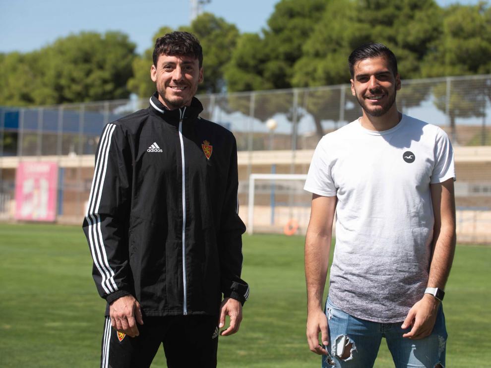 Cristian Álvarez, y su hermano Juan Cruz Álvarez, porteros del Real Zaragoza y de la SD Tarazona, en la Ciudad Deportiva.