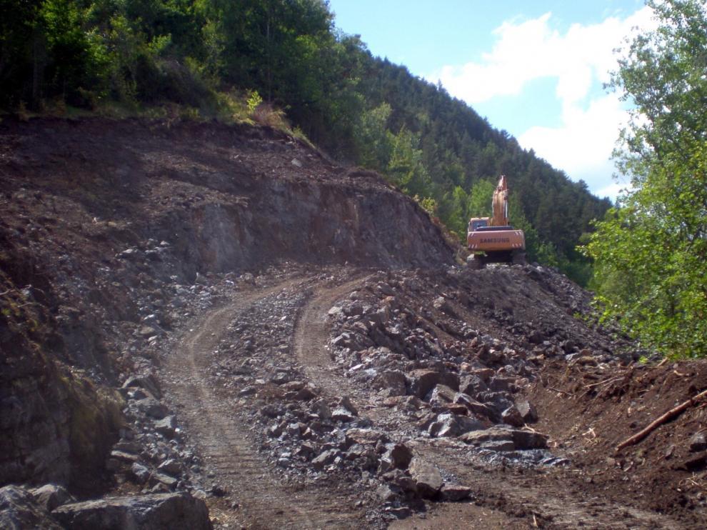 Imagen de los primeros trabajos de explanación en el acceso a Espés Alto.