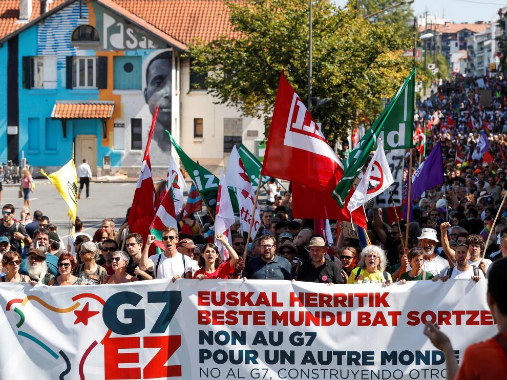Manifestación en Biarritz contra el G7