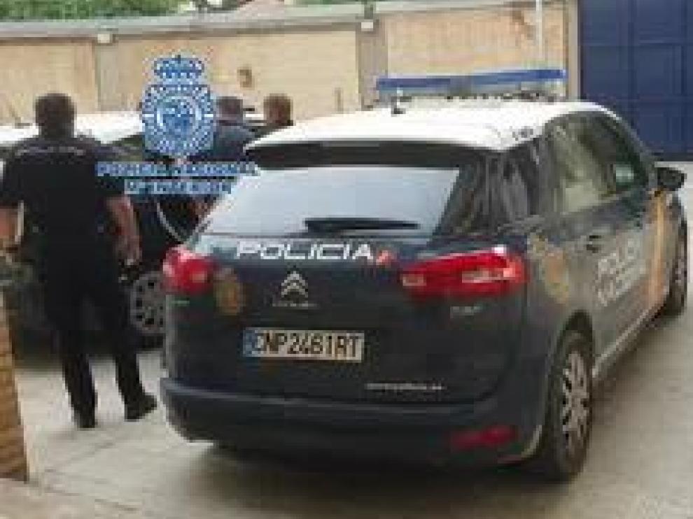 La Policía Nacional ha detenido a un hombre de origen georgiano mientras marcaba pisos con la técnica del hilo invisible. Los hechos han ocurrido en la ciudad de Huesca.