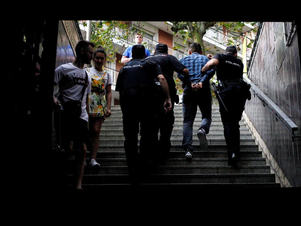 Detenidos en dos horas 23 carteristas reincidentes en el metro de Barcelona.