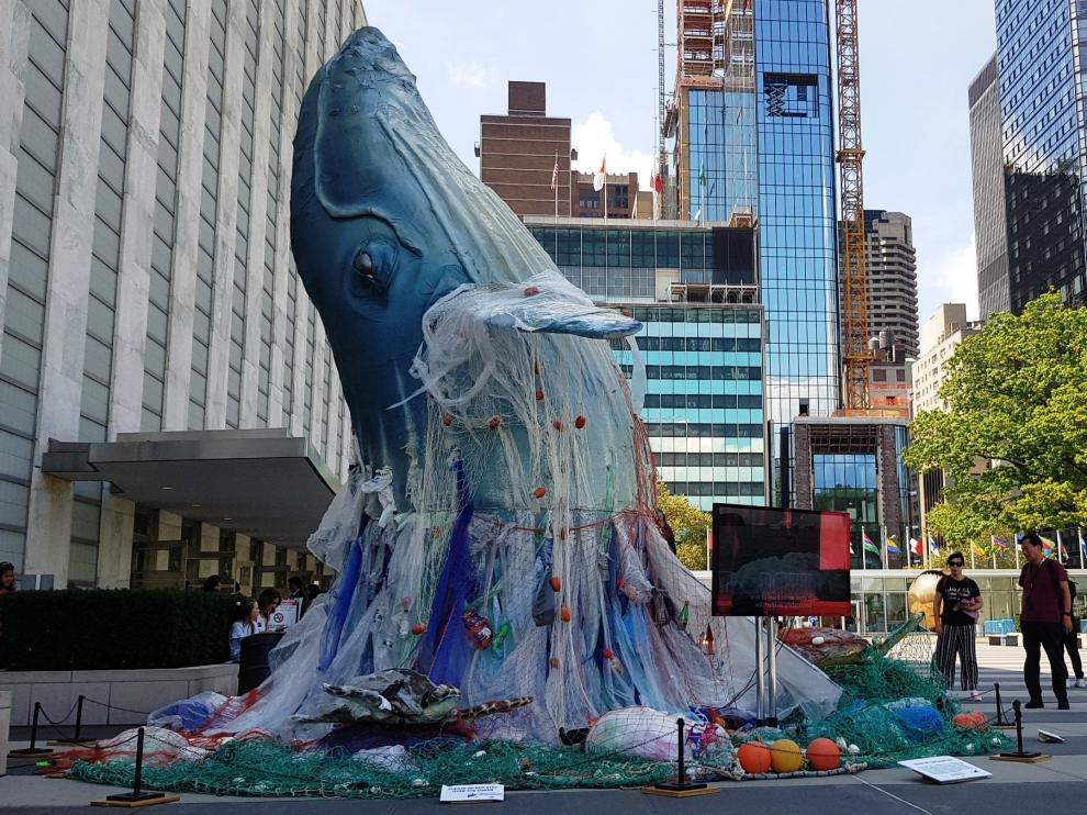 Obra instalada a las puertas de la ONU en Nueva York