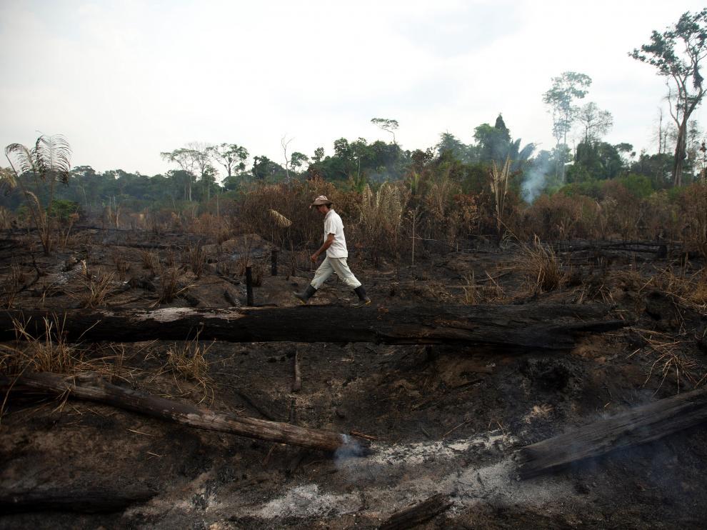 Vista de los daños producto del incendio en la Amazonía brasileña, en la zona de Porto Velho.