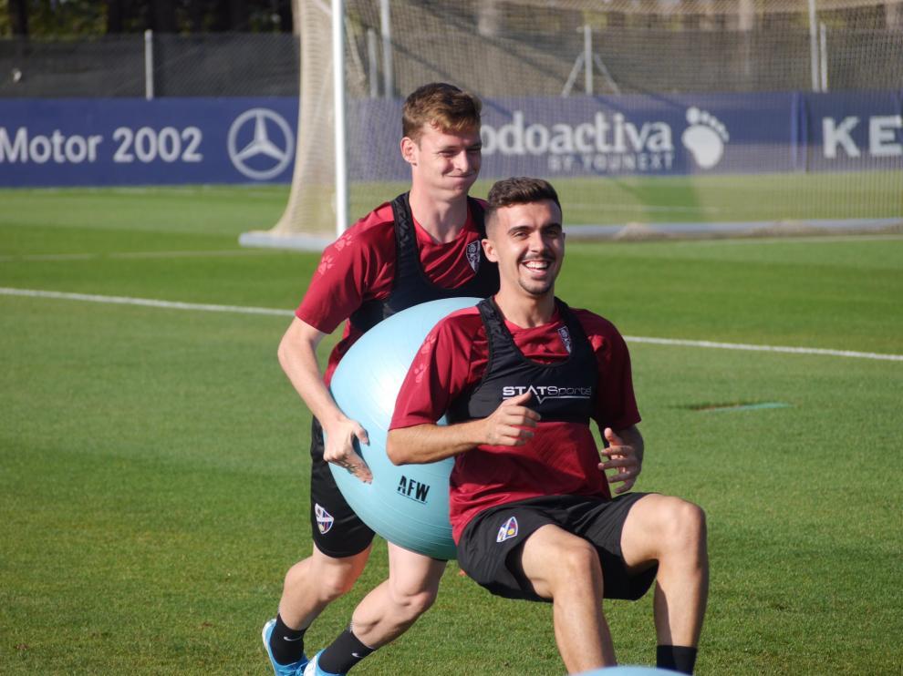 Joaquín y Sergio Gómez, en el entrenamiento matinal de este miércoles.