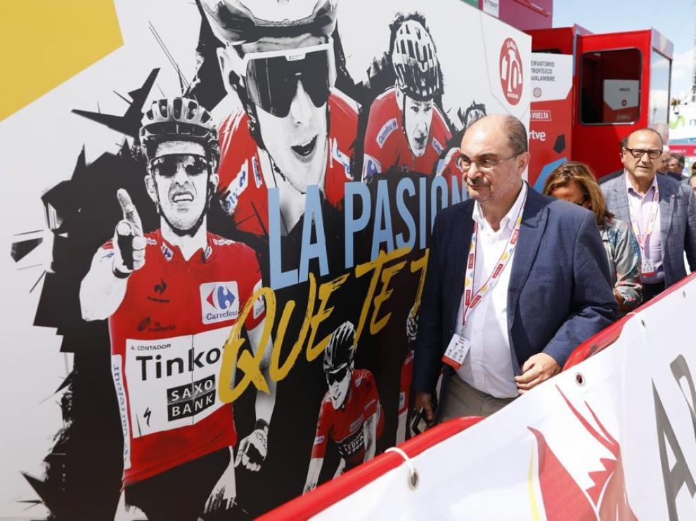 Lambán ha acudido este miércoles al Observatorio de Astrofísica de Javalambre, meta de la quinta etapa de la Vuelta.