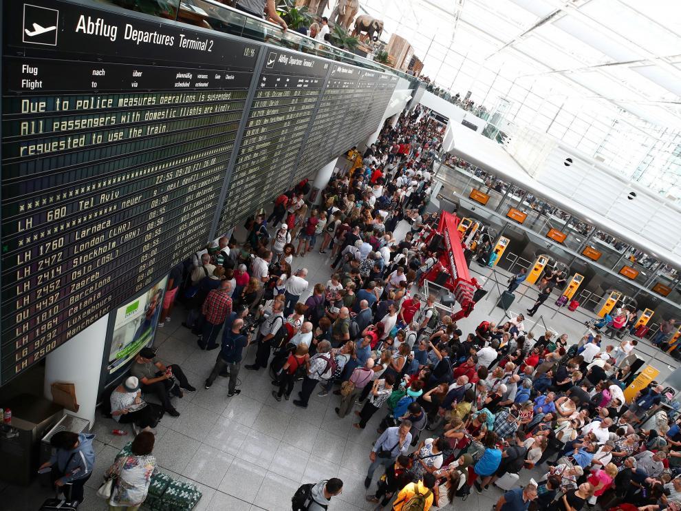 Largas colas en el aeropuerto de Munich tras el suceso