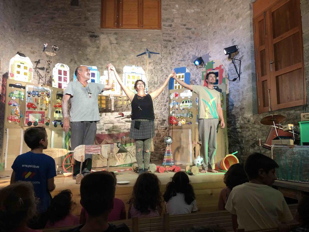 Más de cuatro mil espectadores asisten a las funciones de verano de La Casa de los Títeres en Abizanda
