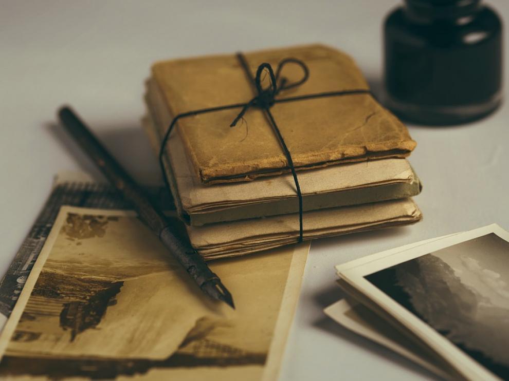 Foto de archivo de cartas antiguas