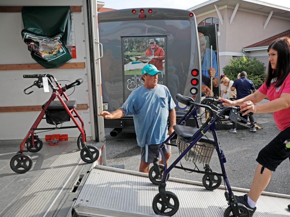Hasta 72 hogares de ancianos han sido evacuados ante el riesgo de que el huracán Dorian impacte en Florida.