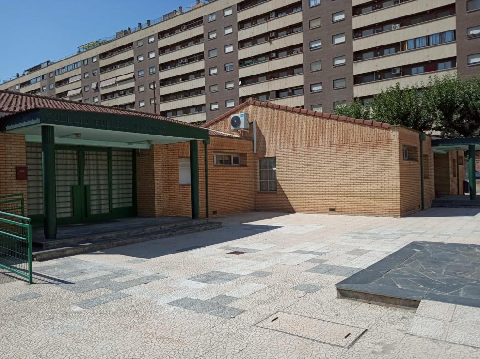 Nueva pavimentación en el colegio Alcoraz.