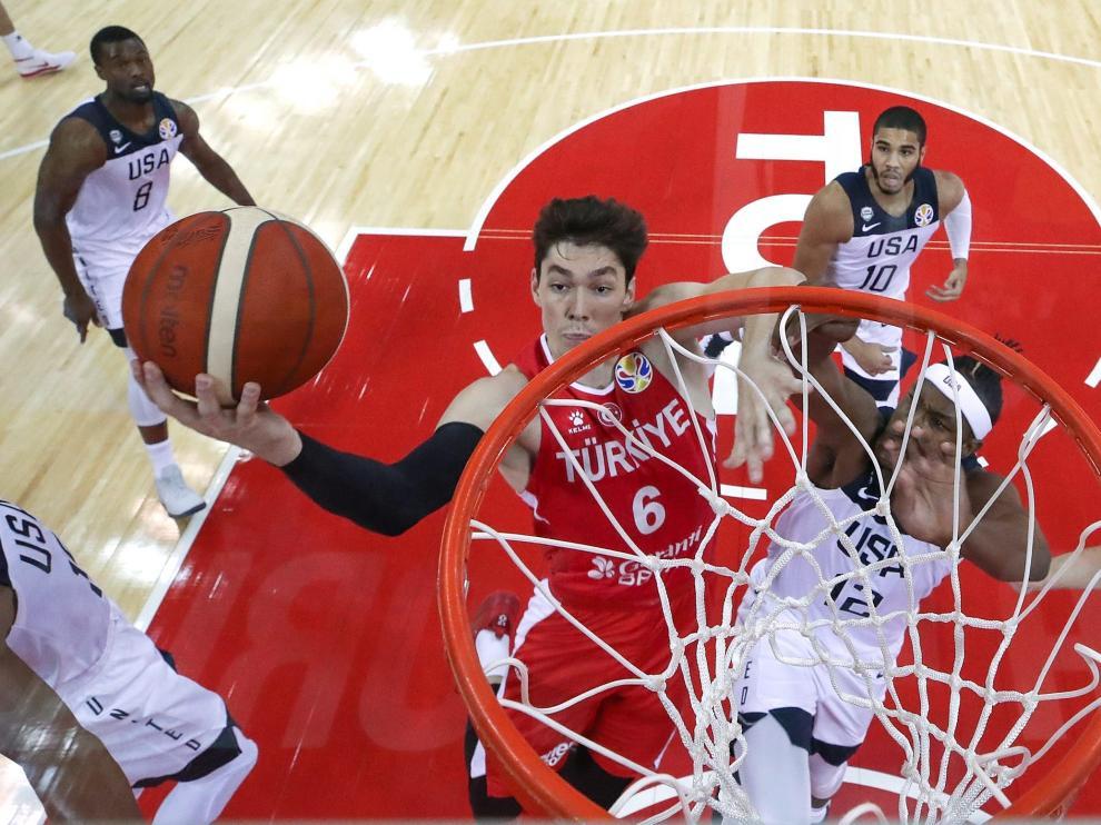 Turquía casi derrota a Estados Unidos (93-92) en la cuarta jornada del Mundial de China 2019.