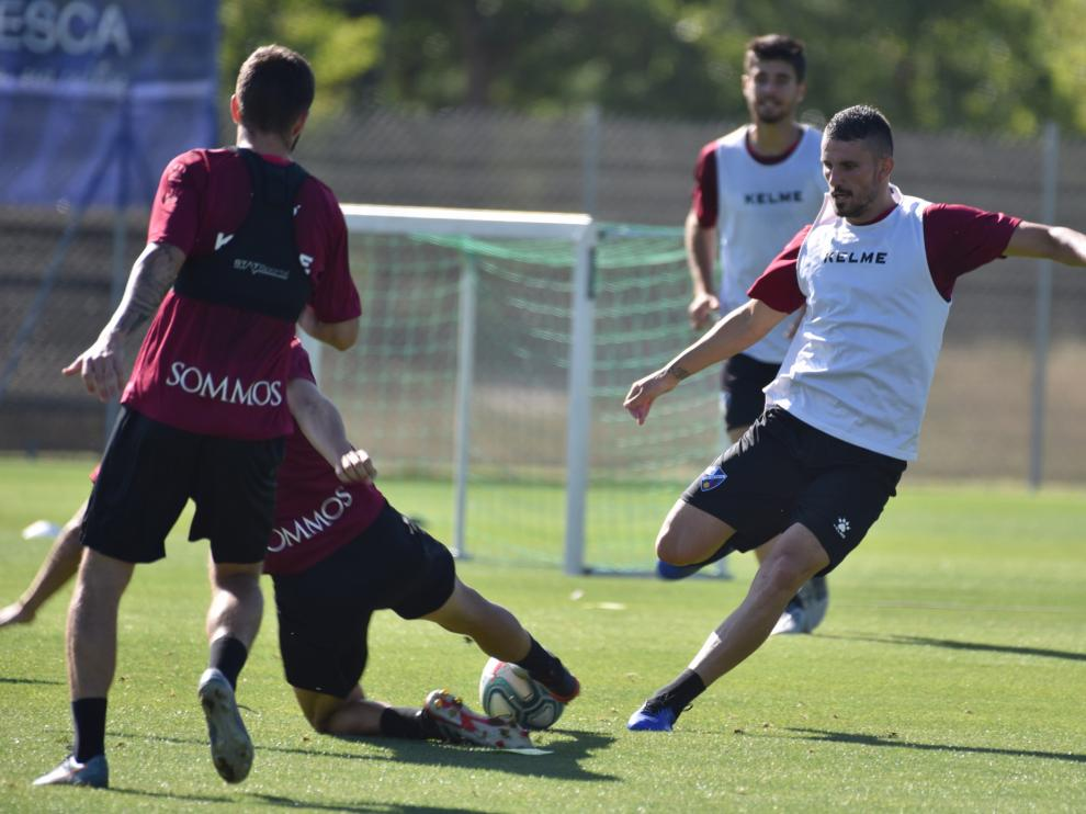 Datkovic, durante su primer entrenamiento como jugador de la SD Huesca.