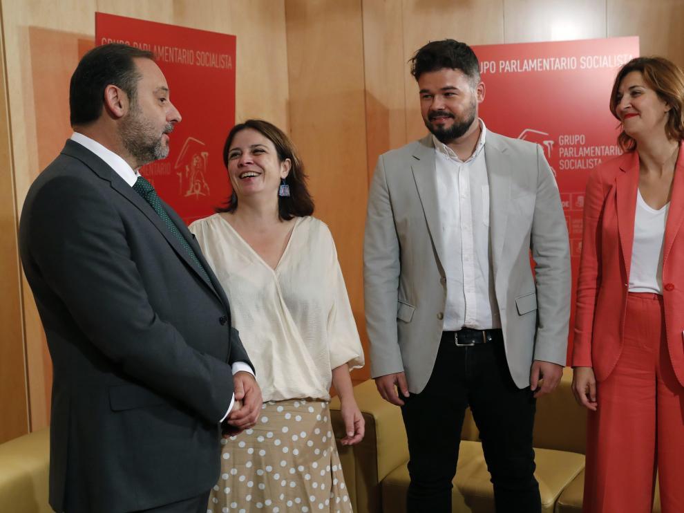 Representantes de ERC y PSOE se han reunido este miércoles en el Congreso.