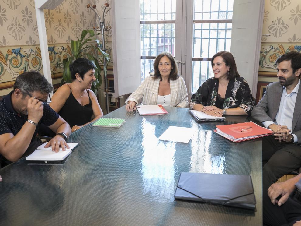 Sara Fernández se reunió el pasado lunes con los responsables de Interpeñas.