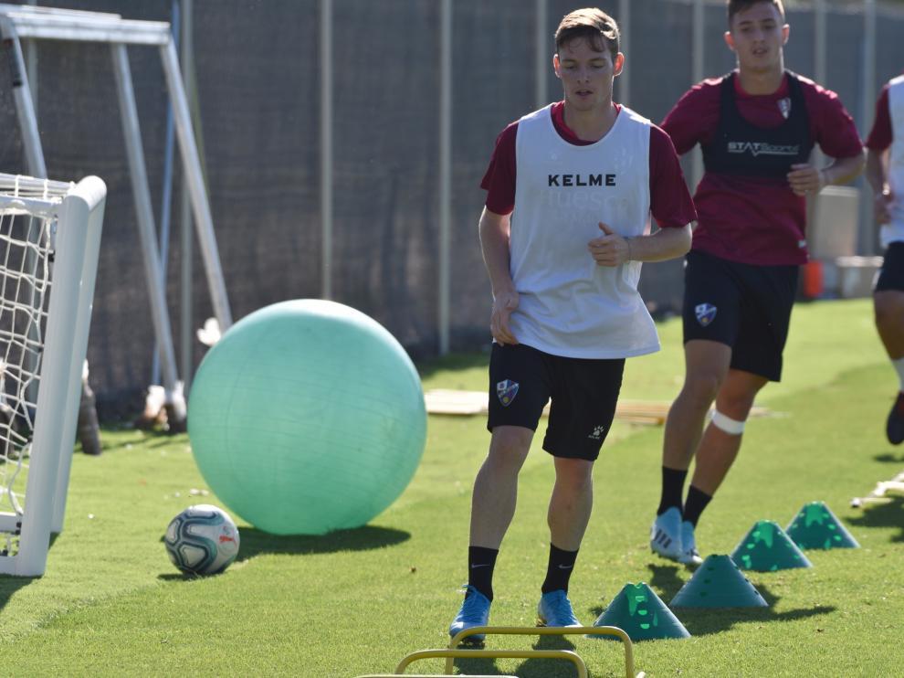 Sergio Gómez, durante el entrenamiento de este miércoles en el IES Pirámide.