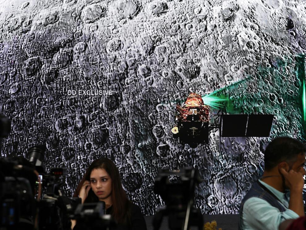 Los medios esperaban que las autoridades informaran sobre el estado de la sonda.
