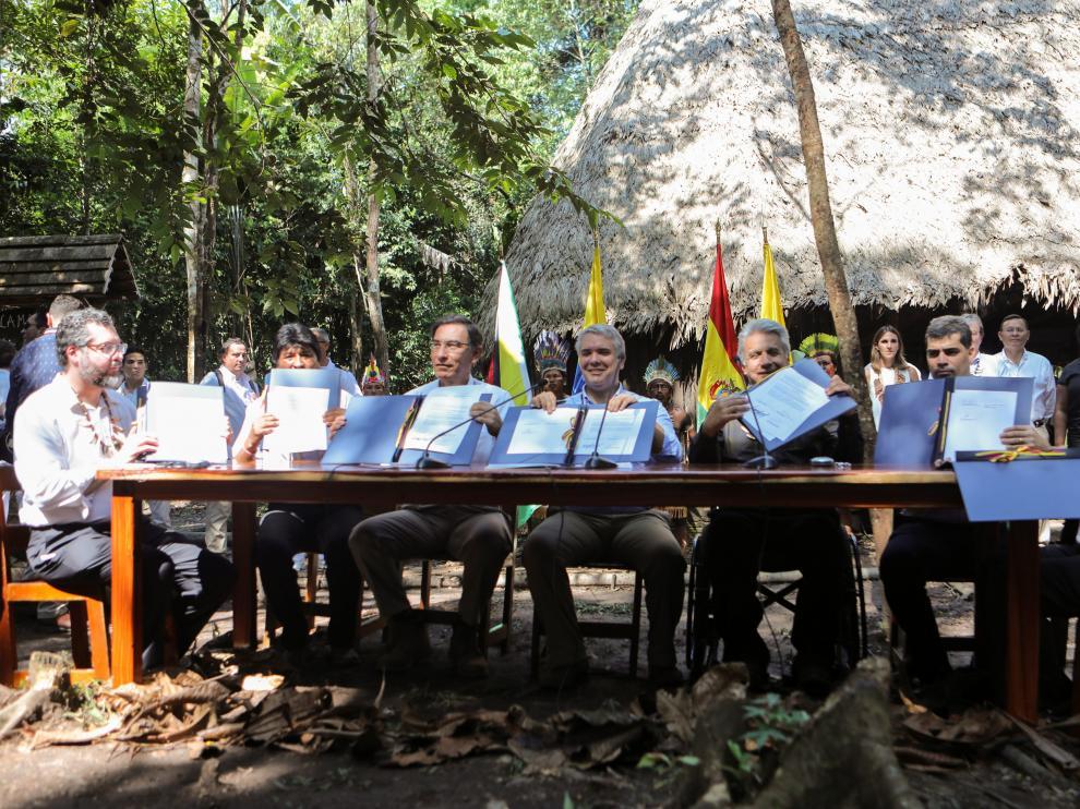 """Los presidentes y representantes de siete países suramericanos firmaron este viernes el """"Pacto de Leticia por la Amazonía"""" para coordinar la preservación de los recursos naturales de la zona más biodiversa del mundo."""