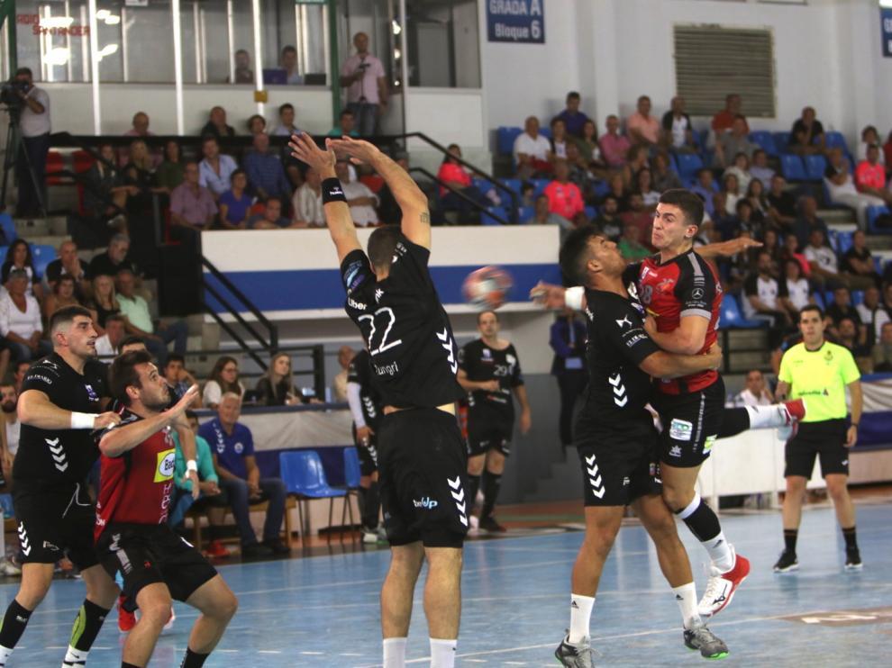 El Bada Huesca arranca la liga con derrota.