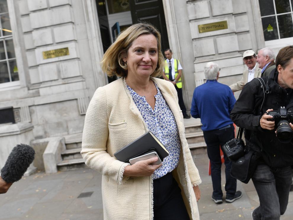La ministra británica de Trabajo y Pensiones, Amber Rudd,