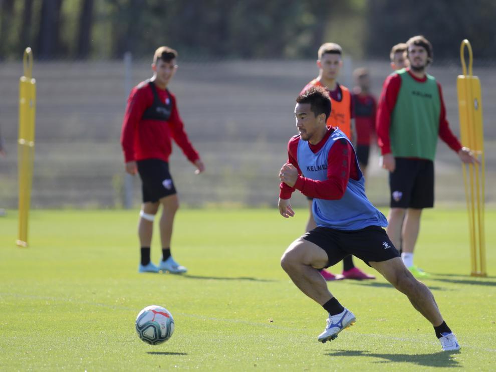 Shinji Okazaki, durante el entrenamiento del sábado.