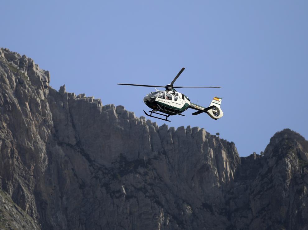 El helicoptero de la Guardia Civil en Benasque /22.7.19 / Foto Rafael Gobantes [[[FOTOGRAFOS]]]