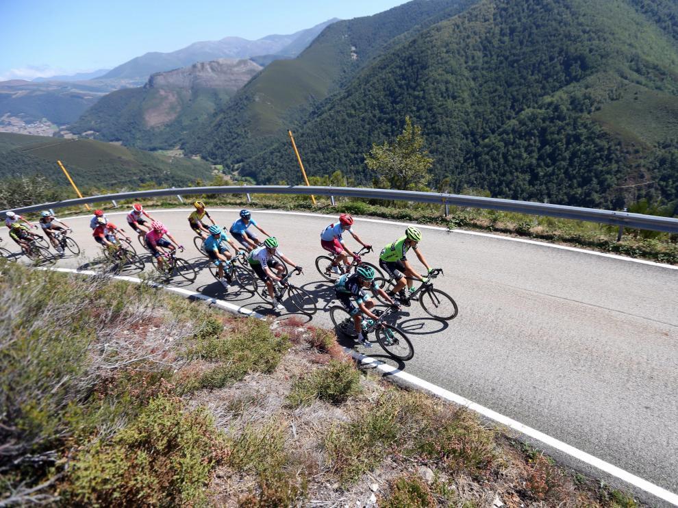 Samitier comandando la fuga de la jornada en la 15ª etapa de la Vuelta a España.