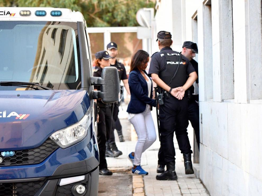 Ana Julia Quezada llega a Audiencia de Almería para ser juzgada por asesinato de Gabriel.