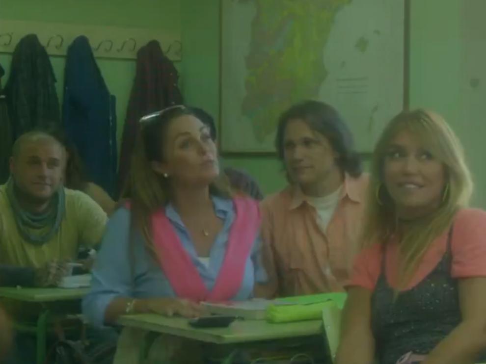 El capítulo piloto de 'Élite' que no vio la luz con los actores y actrices de 'Al salir de clase'.