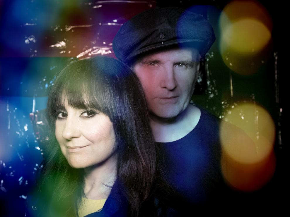Eva y Juan aseguran que su nuevo disco gira en torno a la búsqueda de la identidad y la felicidad.