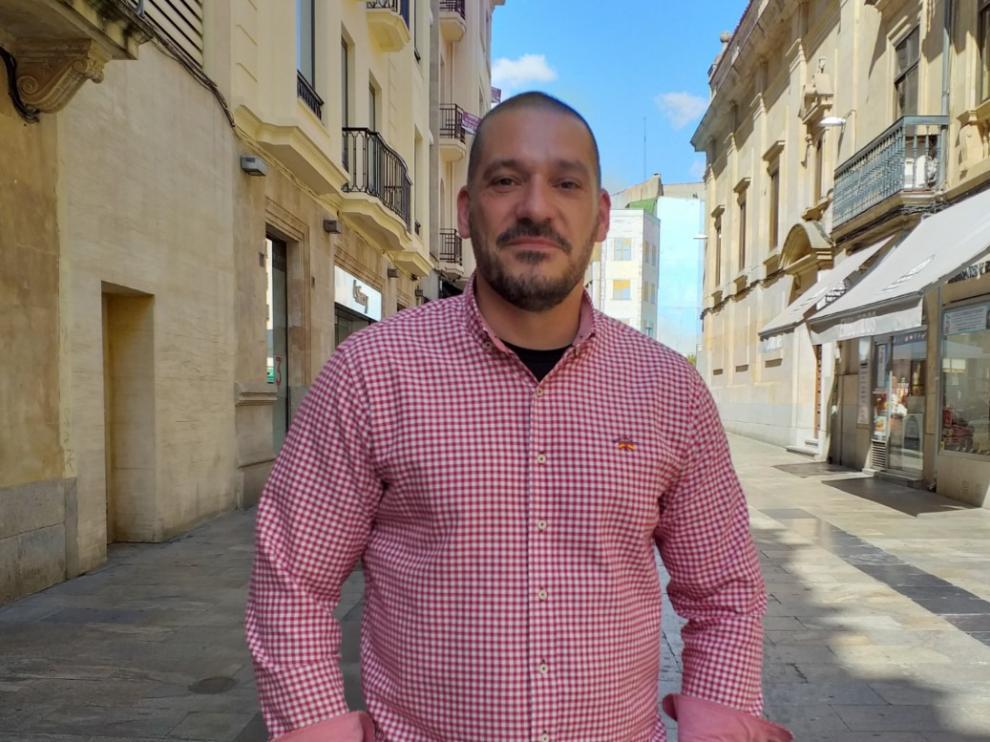 El policía Luis Esteban publica 'Moroloco'.