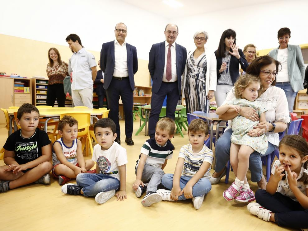 Javier Lambán ha visitado este martes el colegio Parque Venecia de Zaragoza coincidiendo el inicio de curso.