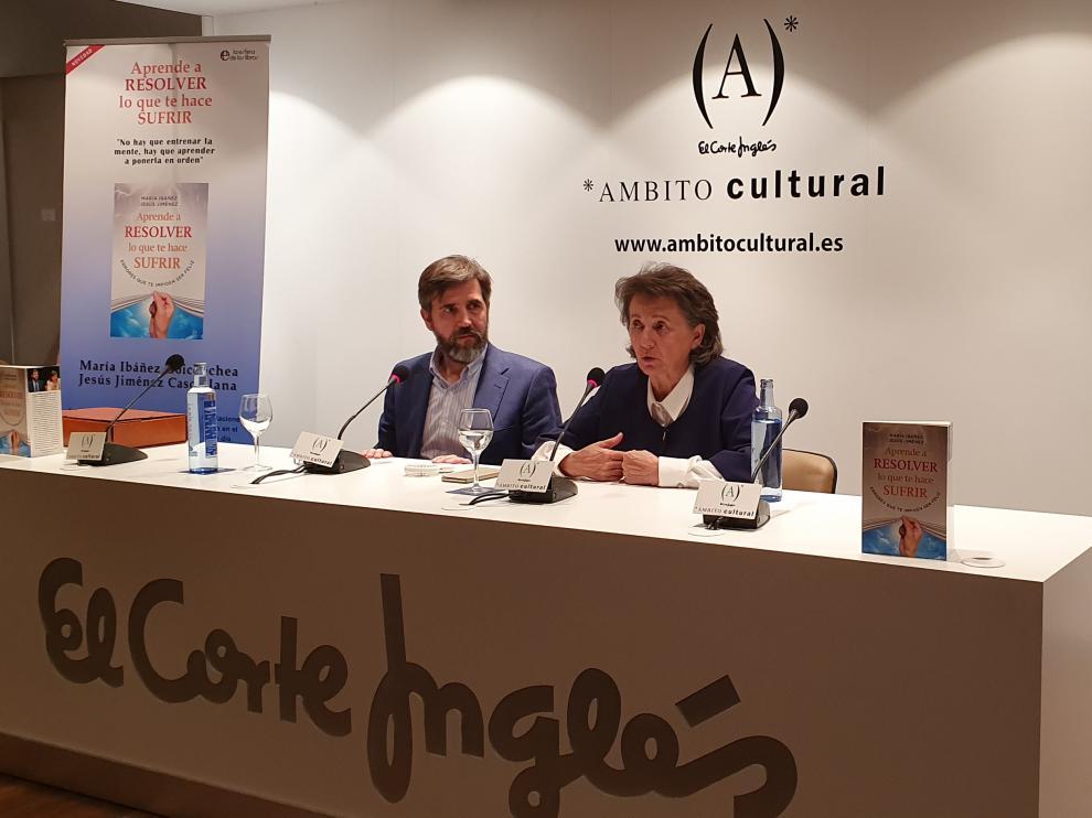 María Ibáñez y Jesús Jiménez presentan su quinto libro, 'Aprende a resolver lo que te hace sufrir'.
