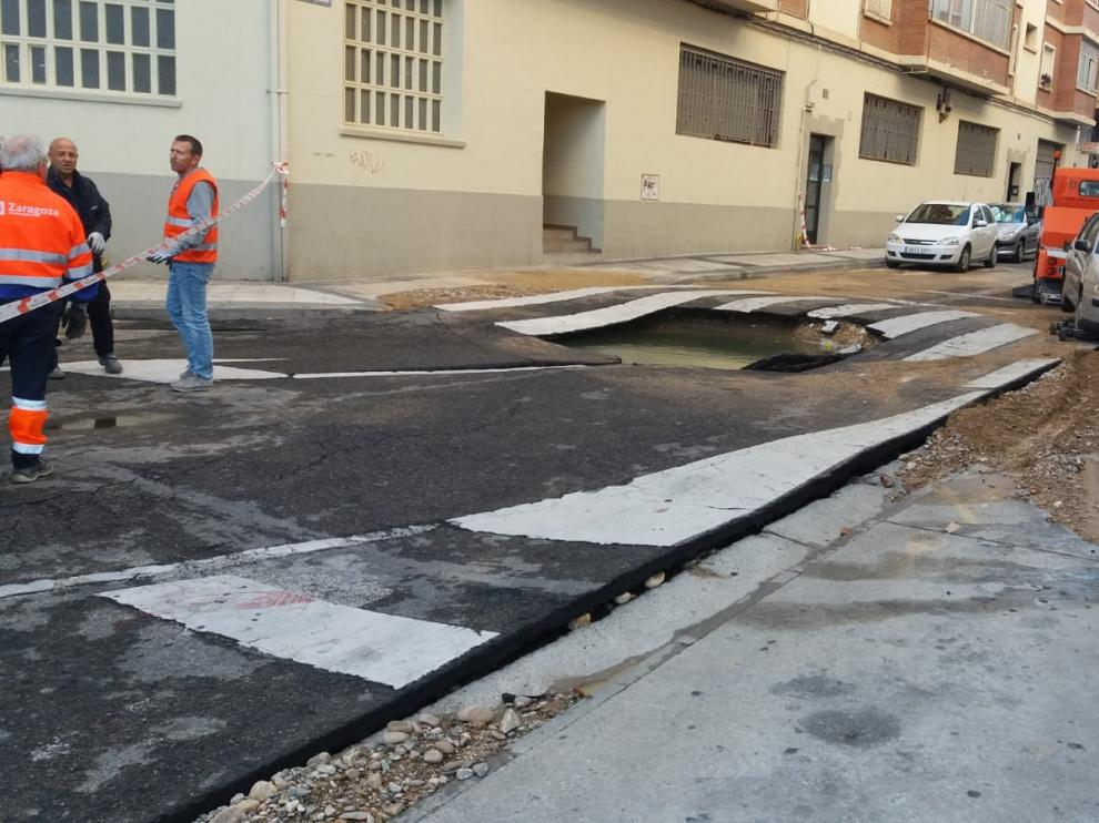Rotura de una tubería en Zaragoza.