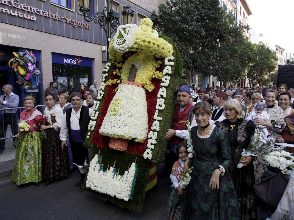 PILAR 2011. OFRENDA. GRUPOS. DON JAIME / 12-10-2011 / FOTO: GUILLERMO MESTRE
