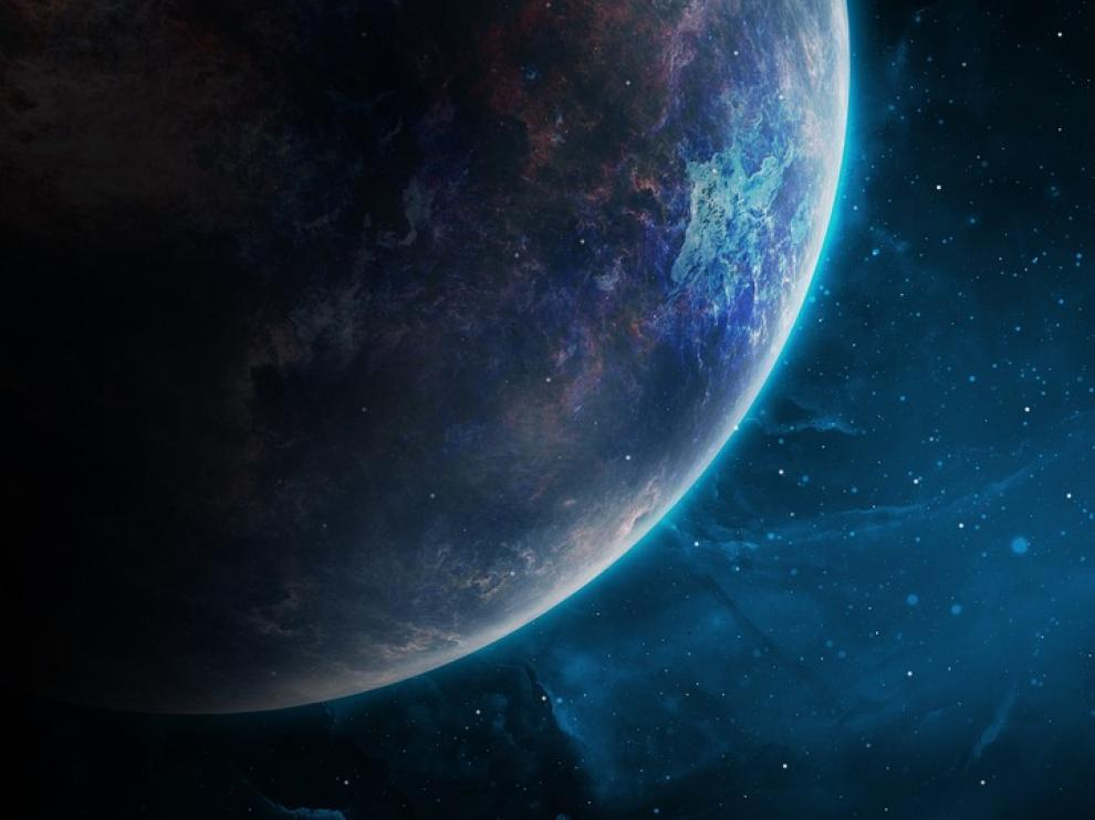 El exoplaneta estudiado orbita alrededor de una estrella enana roja, K2-18, a unos 110 años luz de distancia de la Tierra, en la constelación de Leo.