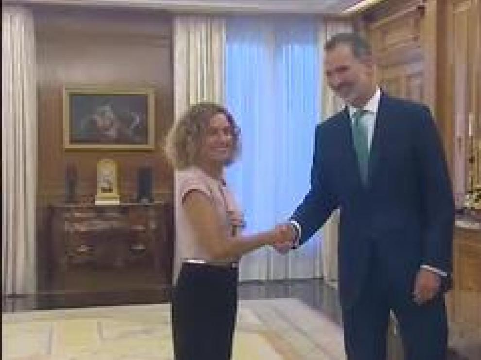 El rey se ha reunido con la presidenta del Congreso, Meritxell Batet, en el palacio de la Zarzuela