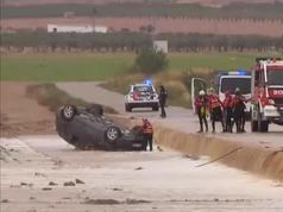Las víctimas quedaron atrapadas en su coche tras ser arrastrados por una tromba de agua