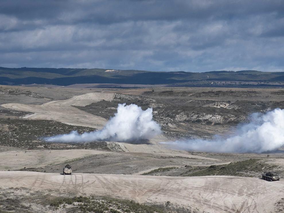 Unas maniobras con proyectiles en el campo de San Gregorio en la zona próxima a Tres Poyetes.