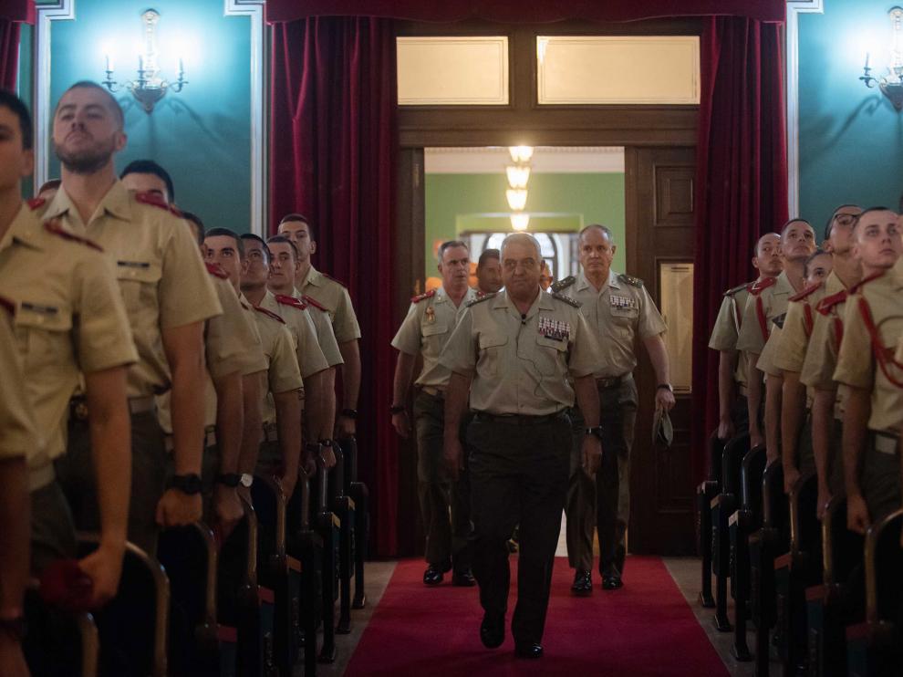 El Jefe de Estado Mayor del Ejército de Tierra, general Francisco Javier Varela, en el aula magna de la Academia General Militar para pronunciar una conferencia para los cadetes.